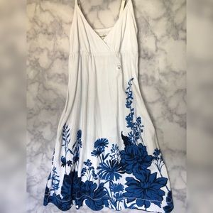 White Aéropostale Floral Dress with Pockets